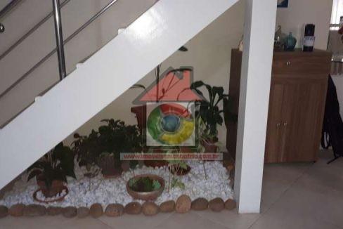 escada e jardim